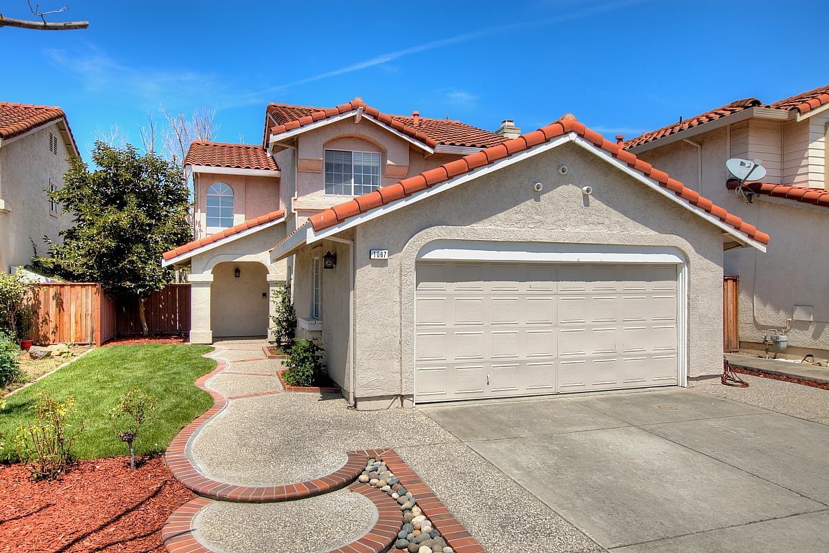 Einfamilienhaus für Verkauf beim 1067 Sandalwood Lane Milpitas, Kalifornien 95035 Vereinigte Staaten