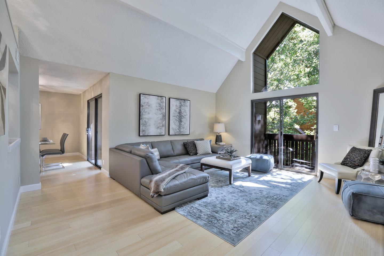 شقة بعمارة للـ Sale في 561 Thain Way Palo Alto, California 94306 United States