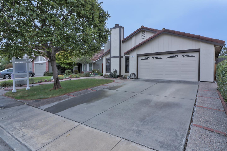 Частный односемейный дом для того Продажа на 764 Anacapa Court 764 Anacapa Court Milpitas, Калифорния 95035 Соединенные Штаты