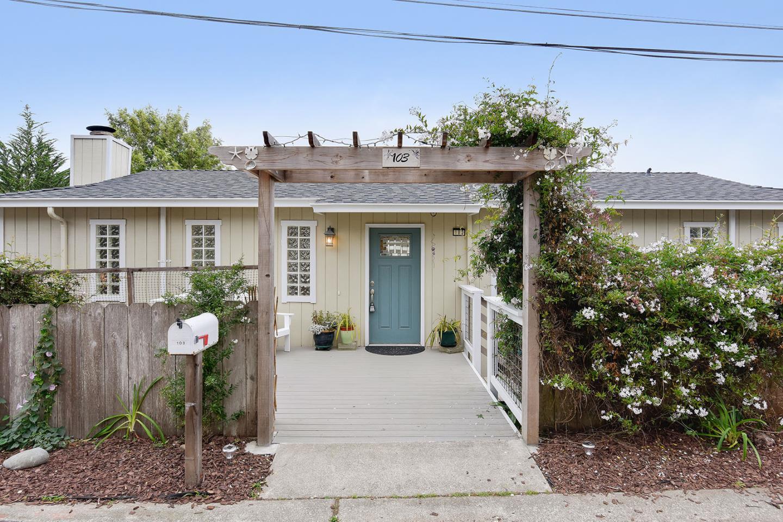 واحد منزل الأسرة للـ Sale في 103 Stanley Avenue 103 Stanley Avenue Pacifica, California 94044 United States