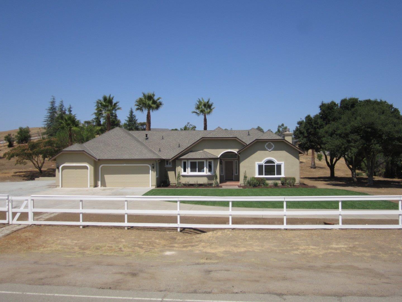 獨棟家庭住宅 為 出售 在 335 Quien Sabe Road 335 Quien Sabe Road Tres Pinos, 加利福尼亞州 95075 美國