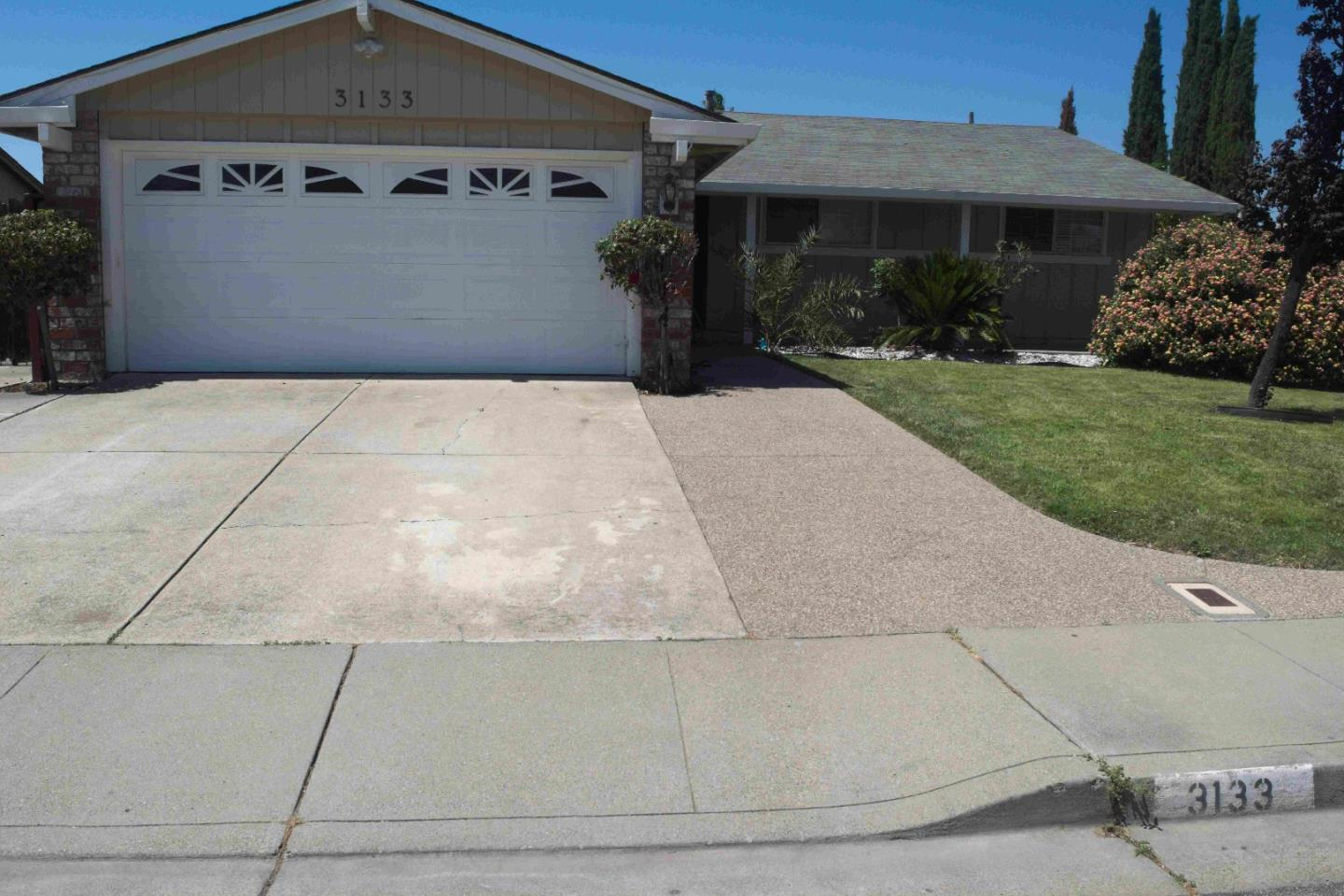 Single Family Home for Sale at 3133 Warwick Road Fremont, California 94555 United States