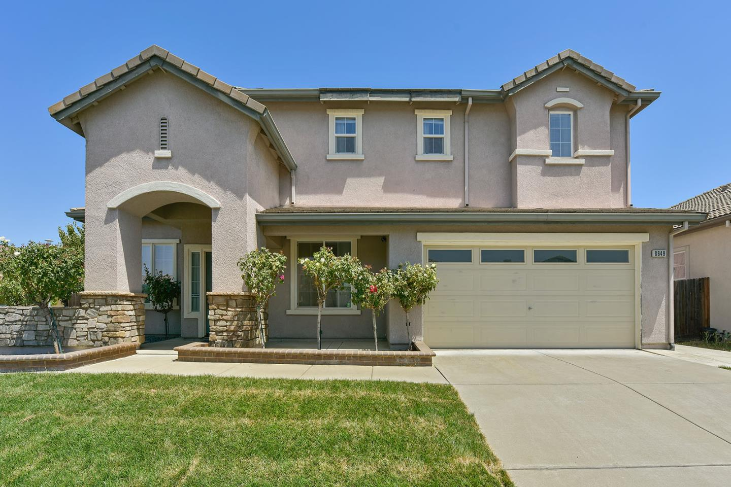 Single Family Home for Sale at 8649 Red Clover Way Elk Grove, California 95624 United States
