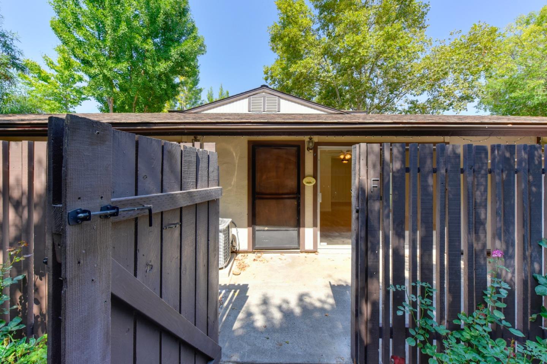 Appartement en copropriété pour l Vente à 5490 Roundtree Drive 5490 Roundtree Drive Concord, Californie 94521 États-Unis