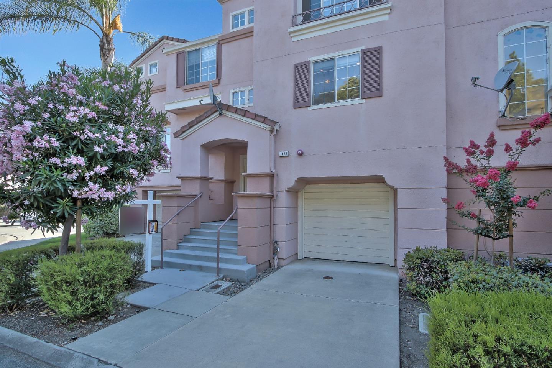 タウンハウス のために 売買 アット 1629 Teresa Marie Terrace Milpitas, カリフォルニア 95035 アメリカ合衆国