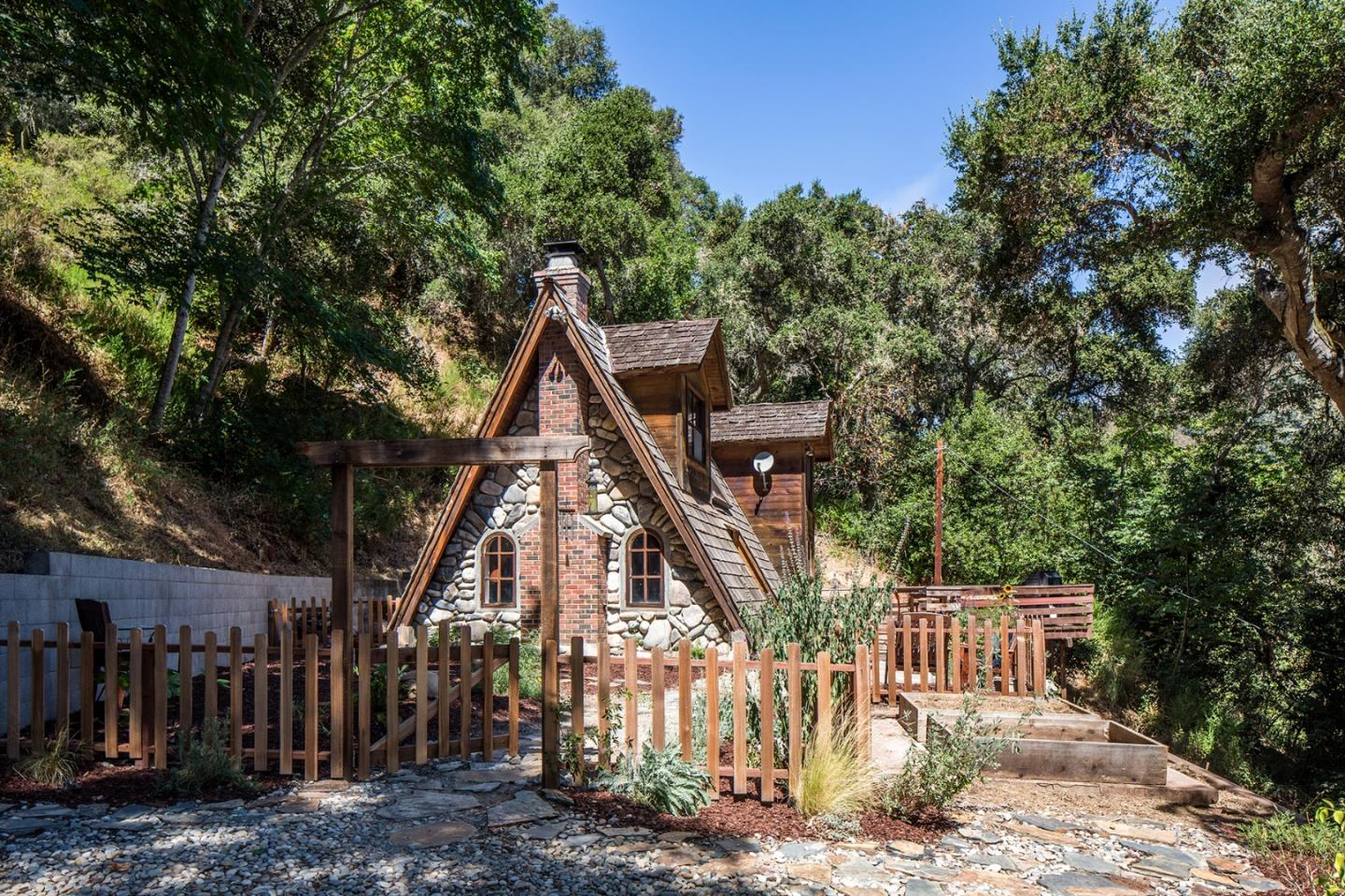 65 Hitchcock Canyon Road, CARMEL VALLEY, CA 93924