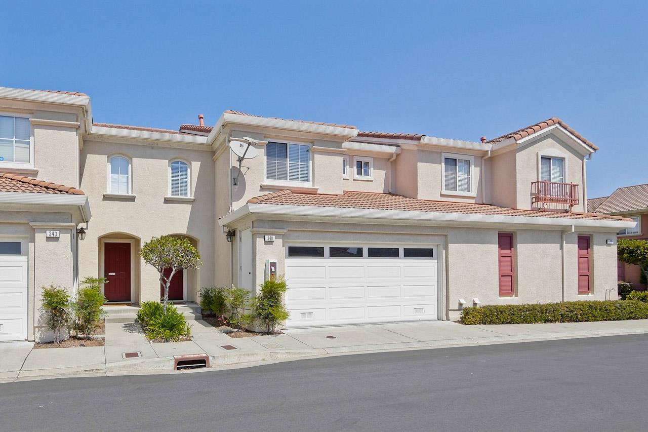 タウンハウス のために 売買 アット 349 Sandhurst Drive Milpitas, カリフォルニア 95035 アメリカ合衆国