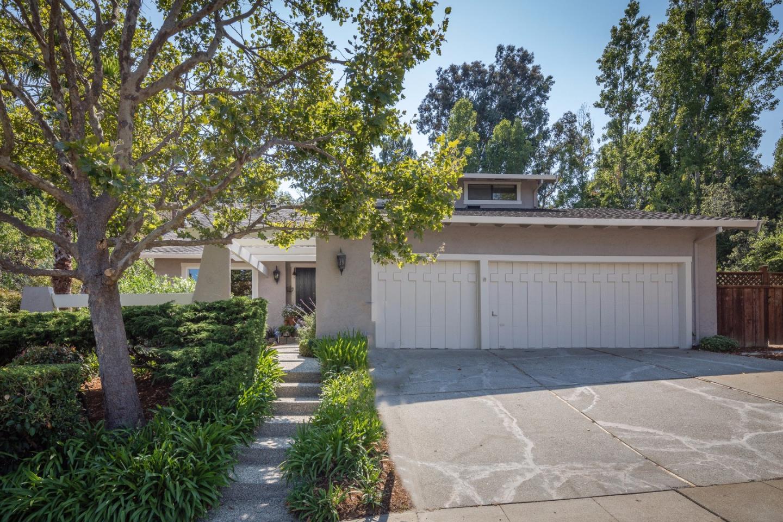 Частный односемейный дом для того Продажа на 1555 Cherrywood Drive San Mateo, Калифорния 94403 Соединенные Штаты