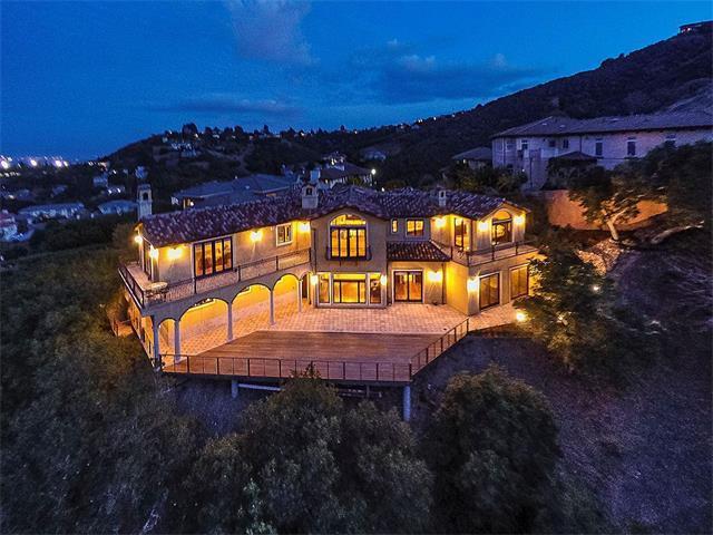 Einfamilienhaus für Mieten beim 168 Queens Court 168 Queens Court San Carlos, Kalifornien 94070 Vereinigte Staaten