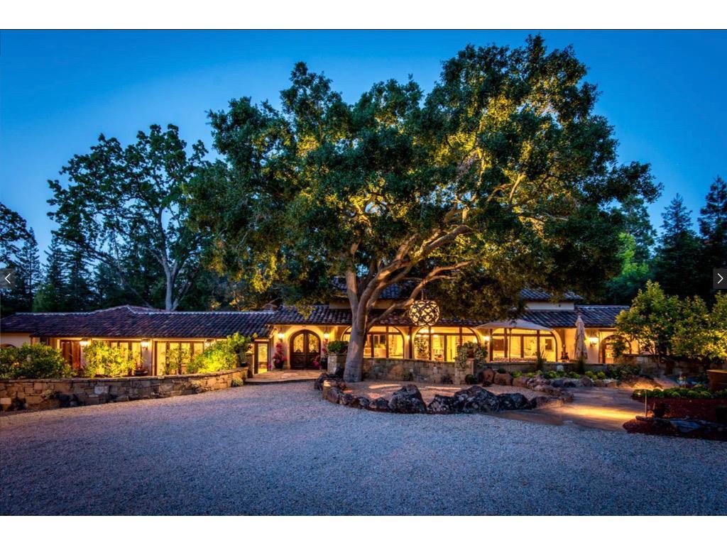 Casa Unifamiliar por un Venta en 19908 Bella Vista Avenue 19908 Bella Vista Avenue Saratoga, California 95070 Estados Unidos