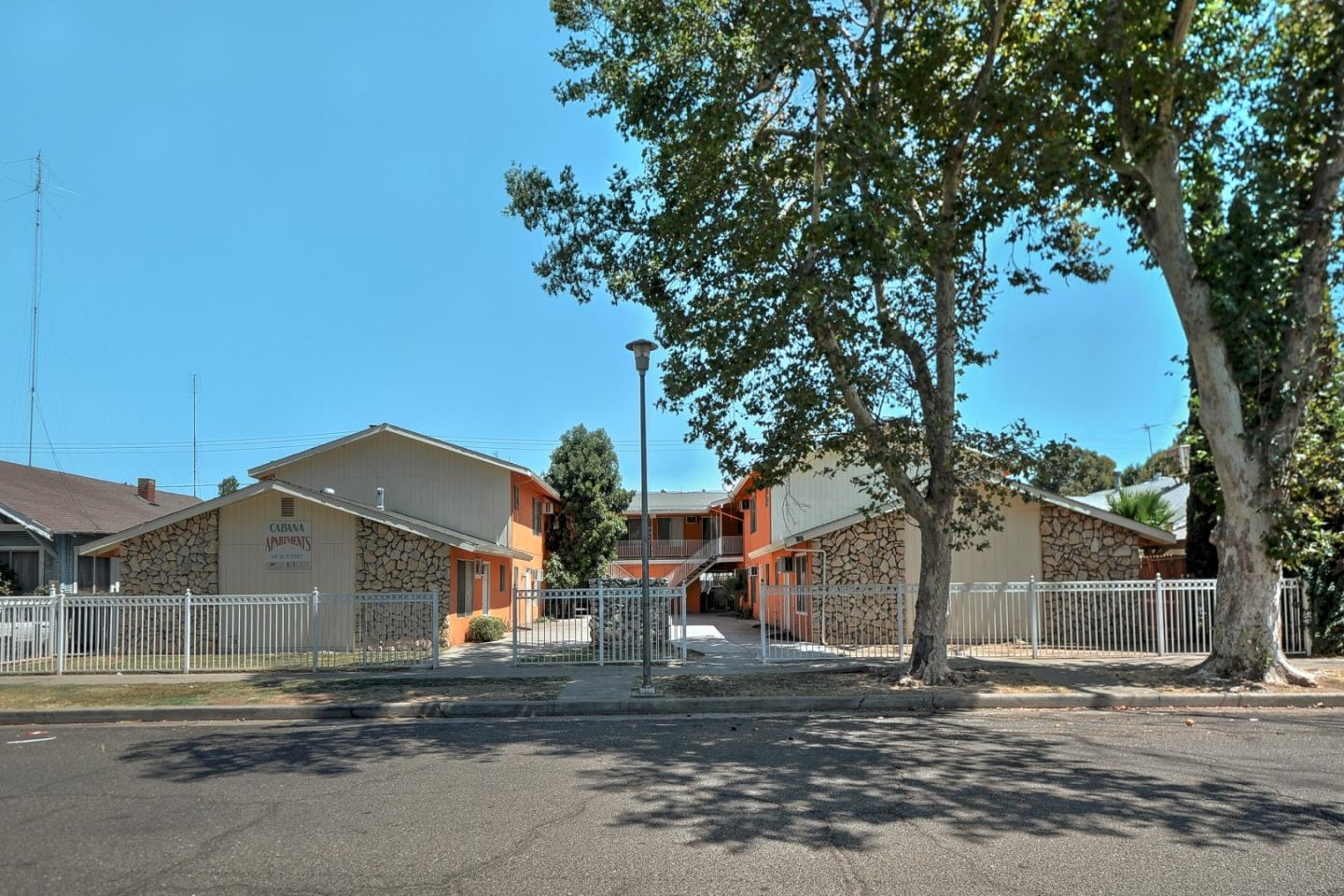 Multi-Family Home for Sale at 137 W 19th Street Merced, California 95340 United States