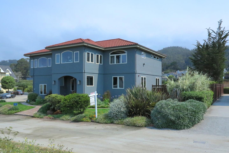 Einfamilienhaus für Verkauf beim 301 Alameda Avenue 301 Alameda Avenue Half Moon Bay, Kalifornien 94019 Vereinigte Staaten