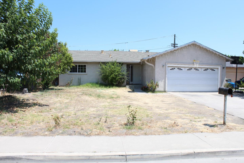 獨棟家庭住宅 為 出售 在 1411 Erskine Avenue Dos Palos, 加利福尼亞州 93620 美國