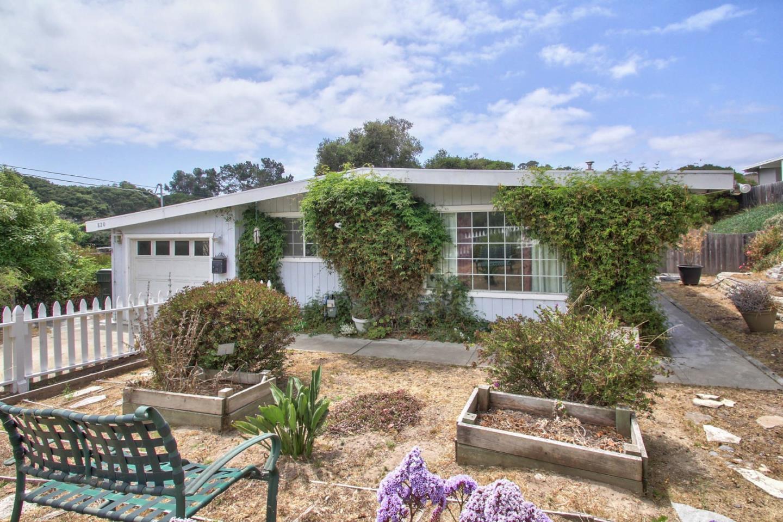 Einfamilienhaus für Verkauf beim 820 Avalon Place Del Rey Oaks, Kalifornien 93940 Vereinigte Staaten