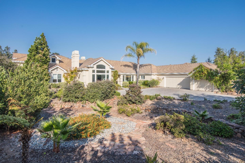 Casa Unifamiliar por un Venta en 14742 Via De Marcos 14742 Via De Marcos Saratoga, California 95070 Estados Unidos