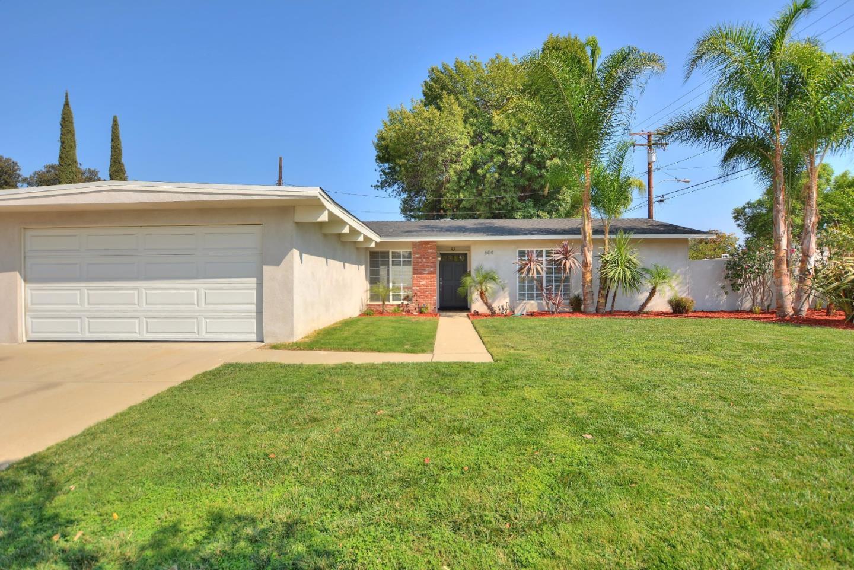 Maison unifamiliale pour l Vente à 604 Old Trail Road Diamond Bar, Californie 91765 États-Unis