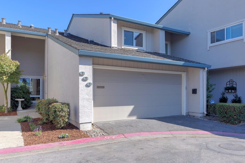 Maison accolée pour l Vente à 660 Draco Lane Foster City, Californie 94404 États-Unis