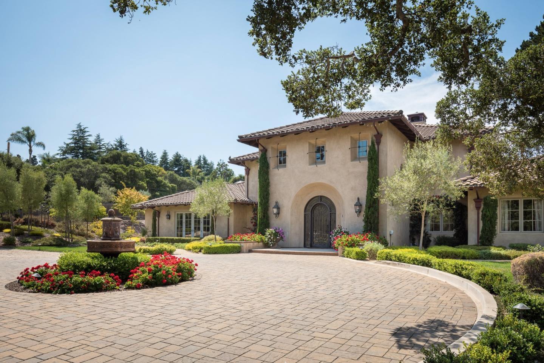 Maison unifamiliale pour l Vente à 1475 Manor Road Monterey, Californie 93940 États-Unis