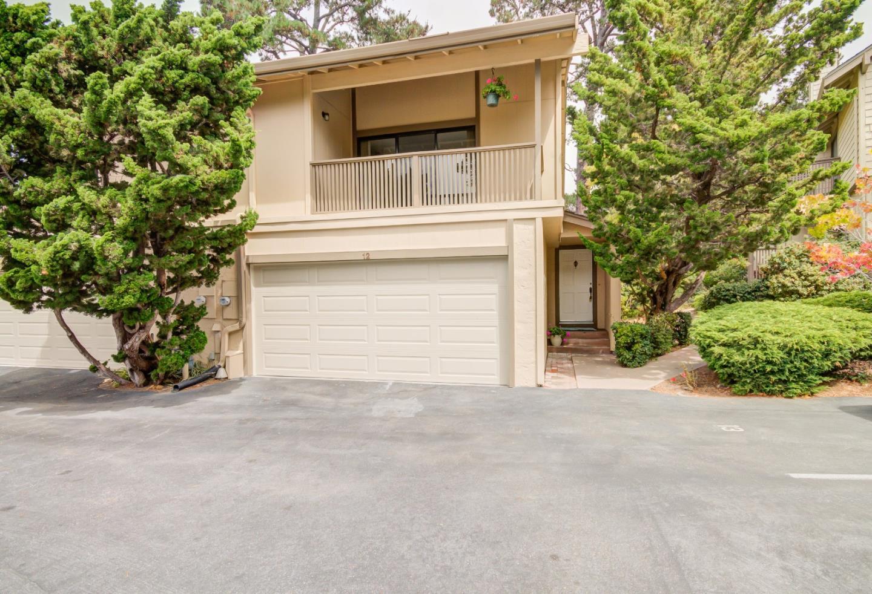 Таунхаус для того Продажа на 1360 Josselyn Canyon Road Monterey, Калифорния 93940 Соединенные Штаты
