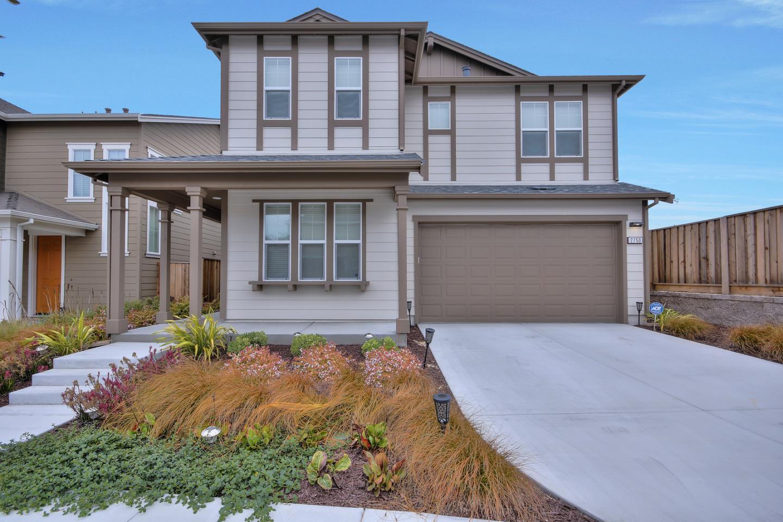 獨棟家庭住宅 為 出售 在 2750 Bungalow Drive 2750 Bungalow Drive Marina, 加利福尼亞州 93933 美國