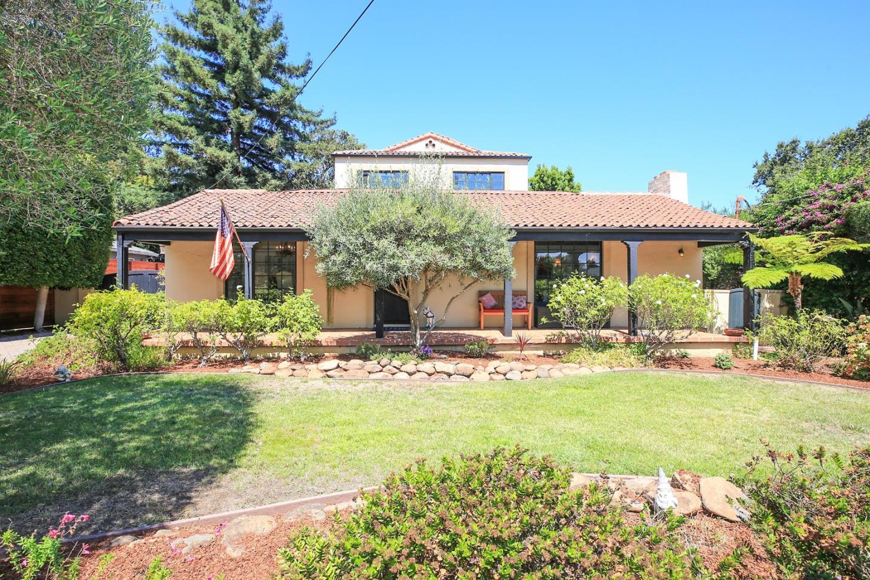 Частный односемейный дом для того Продажа на 1636 Howard Avenue San Carlos, Калифорния 94070 Соединенные Штаты