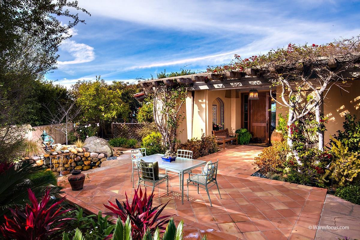 Частный односемейный дом для того Аренда на 2404 Via Siena 2404 Via Siena La Jolla, Калифорния 92037 Соединенные Штаты