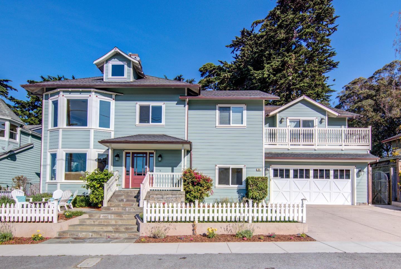Single Family Home for Sale at 261 Francisco Street El Granada, California 94019 United States