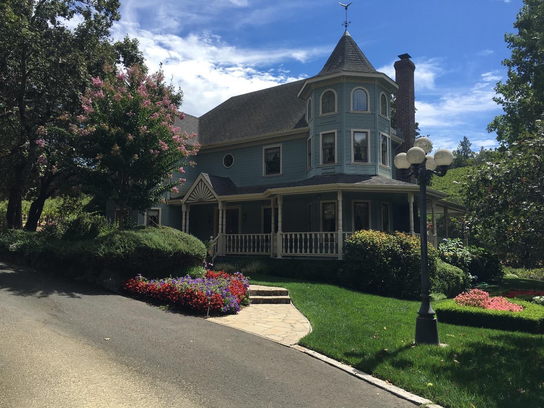Частный односемейный дом для того Продажа на 3927 Peterson Drive 3927 Peterson Drive Calistoga, Калифорния 94515 Соединенные Штаты