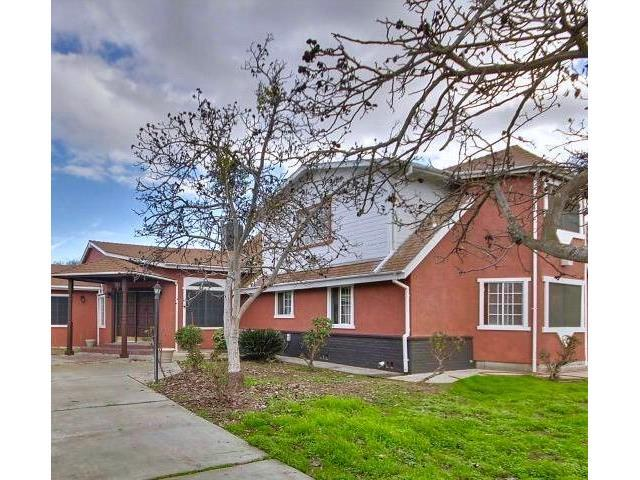 واحد منزل الأسرة للـ Sale في 5748 Dale Road 5748 Dale Road Modesto, California 95356 United States