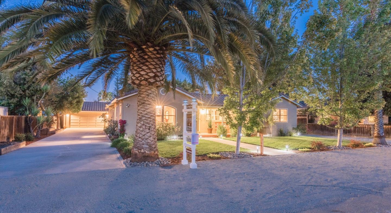 Einfamilienhaus für Verkauf beim 1362 Stevens Court Campbell, Kalifornien 95008 Vereinigte Staaten
