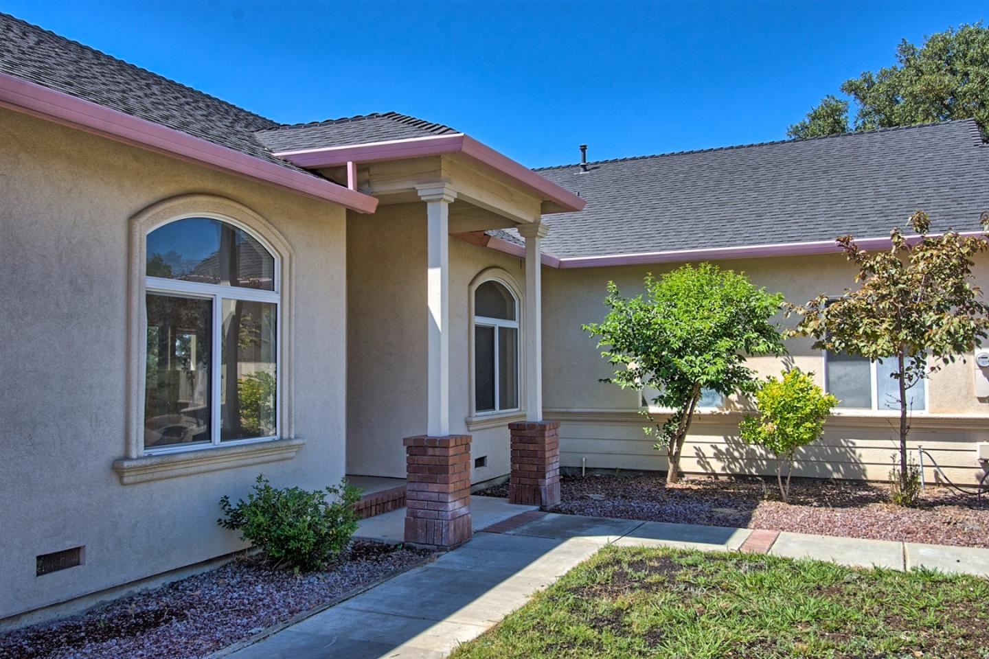 Casa Unifamiliar por un Venta en 22488 Adobe Road 22488 Adobe Road Red Bluff, California 96080 Estados Unidos