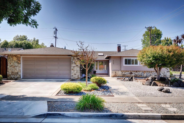 واحد منزل الأسرة للـ Sale في 996 Edmonds Way Sunnyvale, California 94087 United States