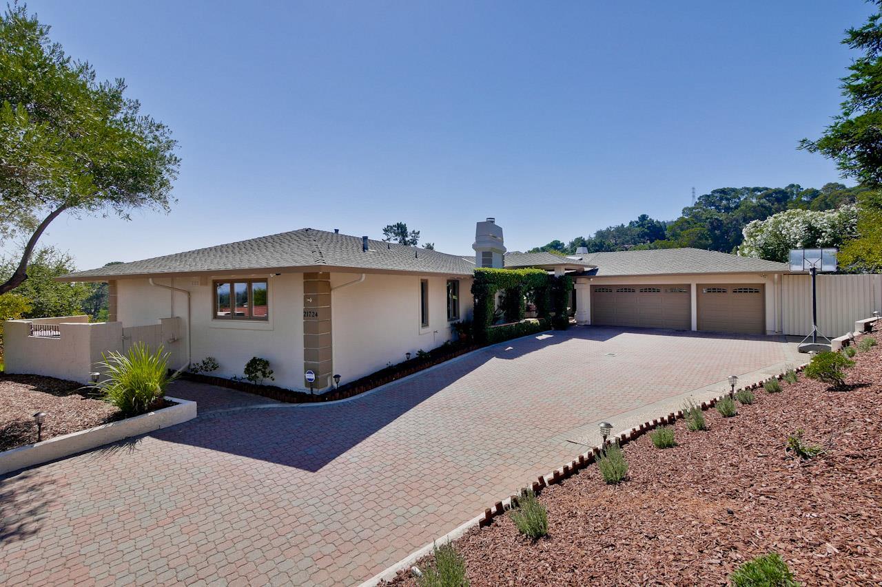 一戸建て のために 売買 アット 21724 Regnart Court Cupertino, カリフォルニア 95014 アメリカ合衆国