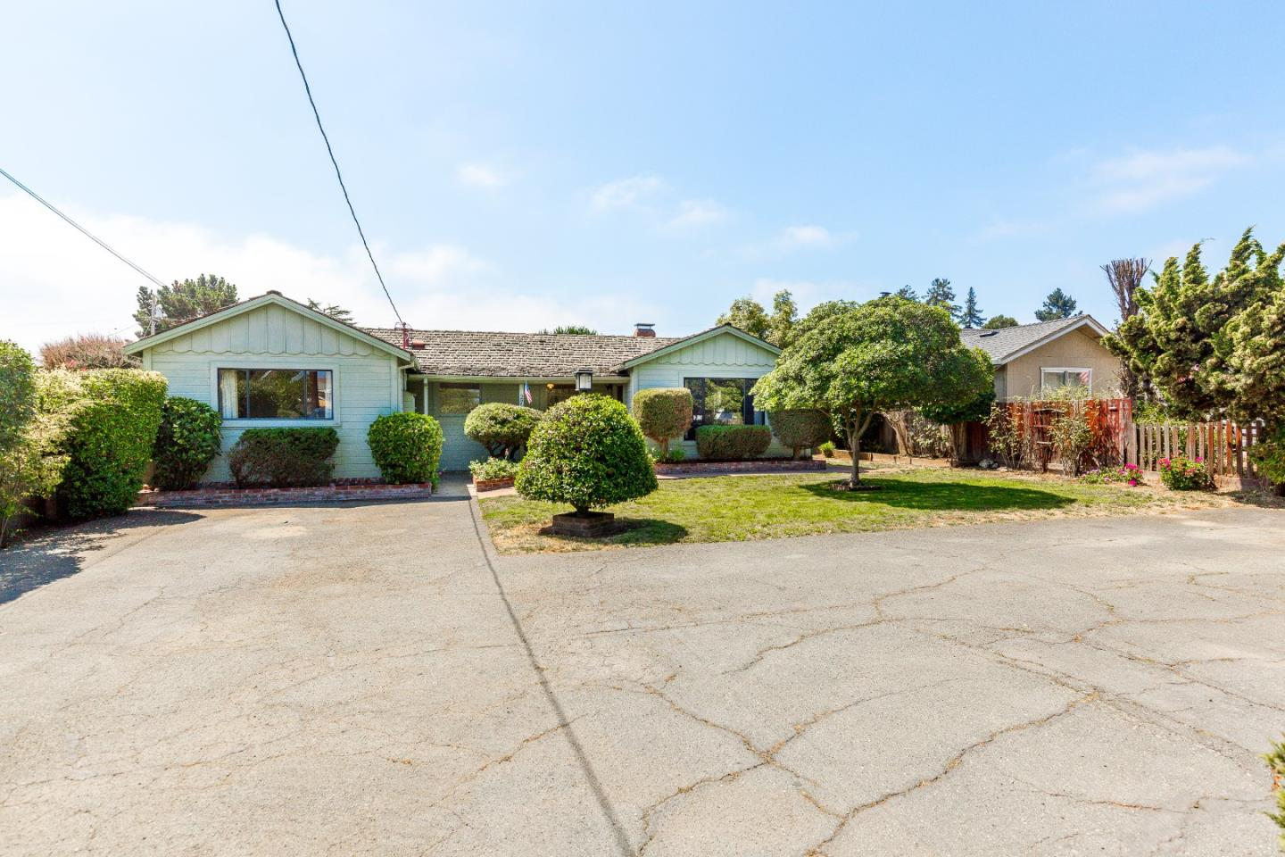 Single Family Home for Sale at 27 Calabasas Road Freedom, California 95019 United States