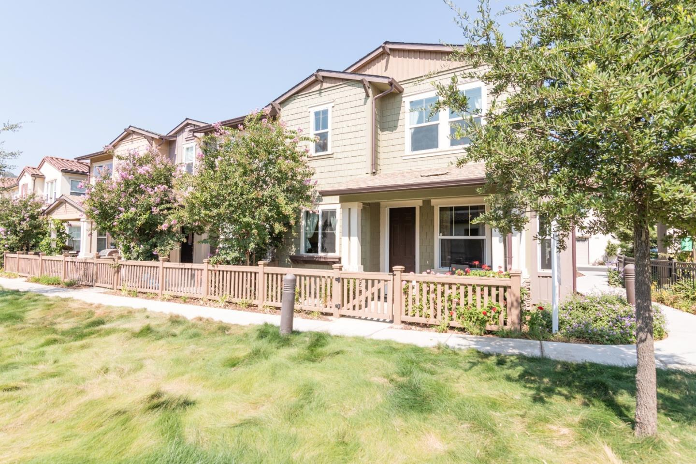 Townhouse for Sale at 134 Larkspur Loop 134 Larkspur Loop Morgan Hill, California 95037 United States