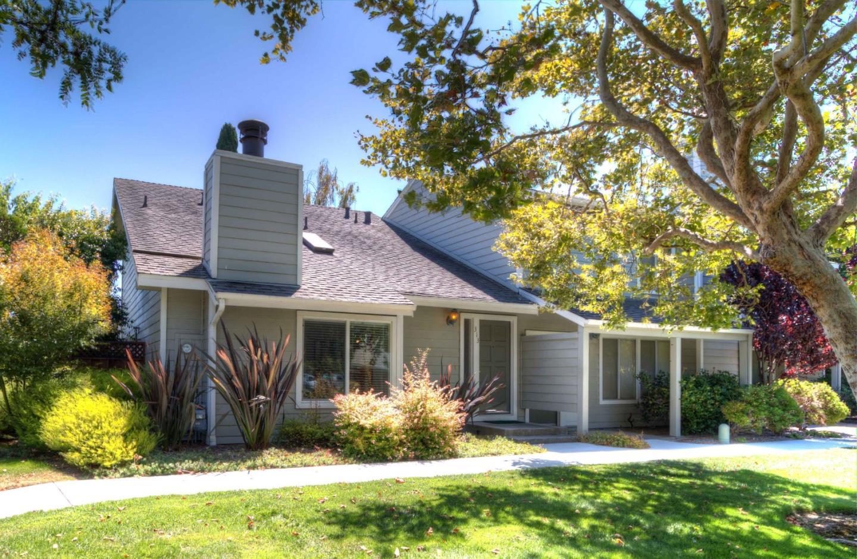 Maison accolée pour l Vente à 313 Catamaran Street Foster City, Californie 94404 États-Unis