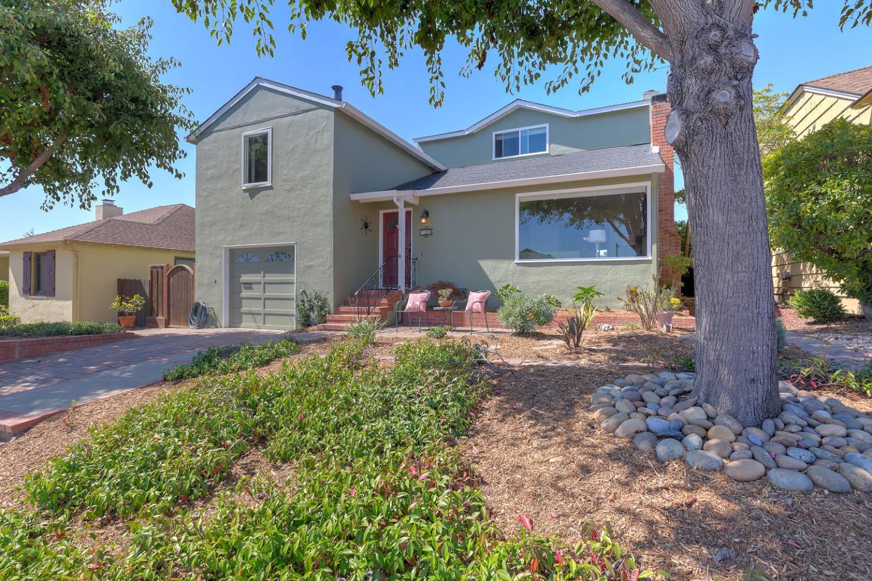 Casa Unifamiliar por un Venta en 727 Magnolia Avenue San Bruno, California 94066 Estados Unidos