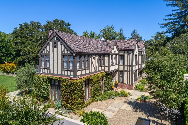 獨棟家庭住宅 為 出售 在 190 Bridge Road Hillsborough, 加利福尼亞州 94010 美國