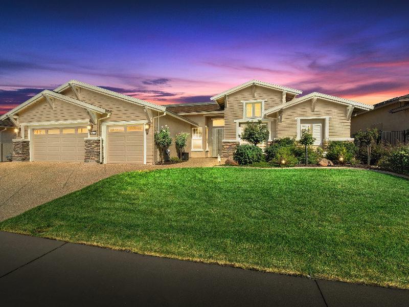 Maison unifamiliale pour l Vente à 635 Orchid Lane Lincoln, Californie 95648 États-Unis