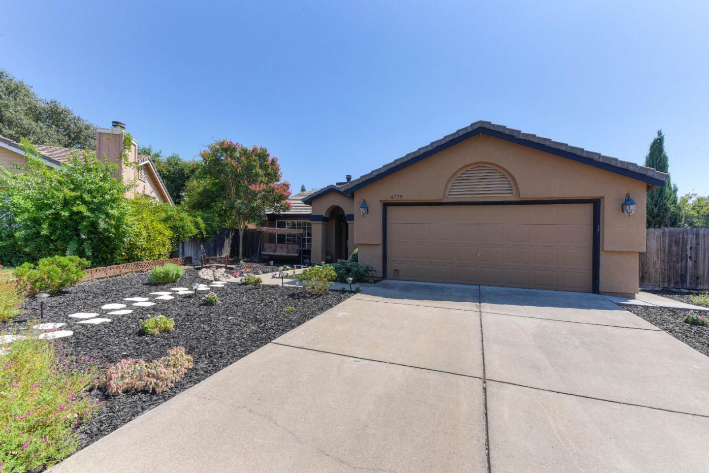 Single Family Home for Sale at 4719 Durham Court Rocklin, California 95765 United States