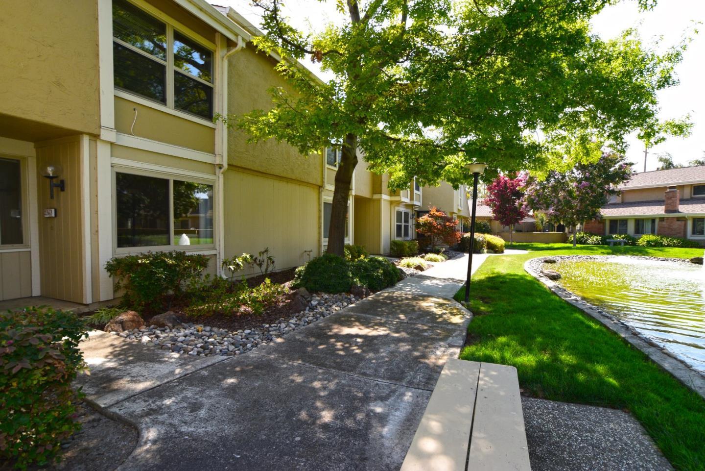 Condominio por un Venta en 2363 Shoreside Court 2363 Shoreside Court Santa Clara, California 95054 Estados Unidos