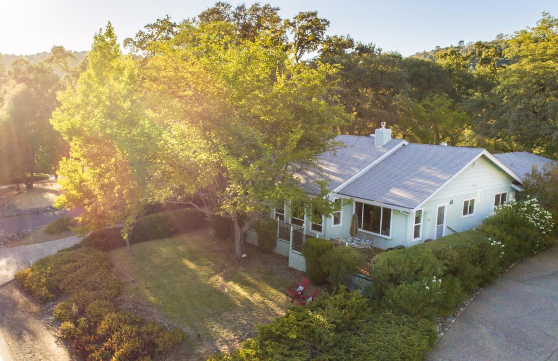 獨棟家庭住宅 為 出售 在 18634 Wildflower Drive 18634 Wildflower Drive Penn Valley, 加利福尼亞州 95946 美國