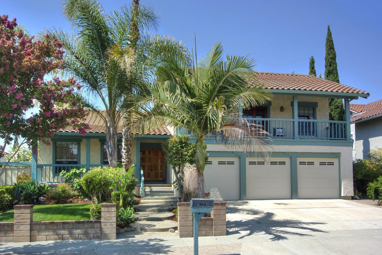 Частный односемейный дом для того Продажа на 533 Santa Rita Drive 533 Santa Rita Drive Milpitas, Калифорния 95035 Соединенные Штаты