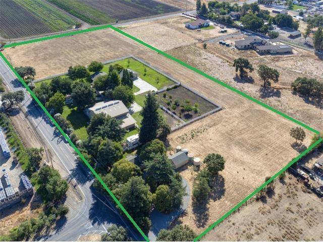 Casa Unifamiliar por un Venta en 1850 Maple Avenue 1850 Maple Avenue San Martin, California 95046 Estados Unidos