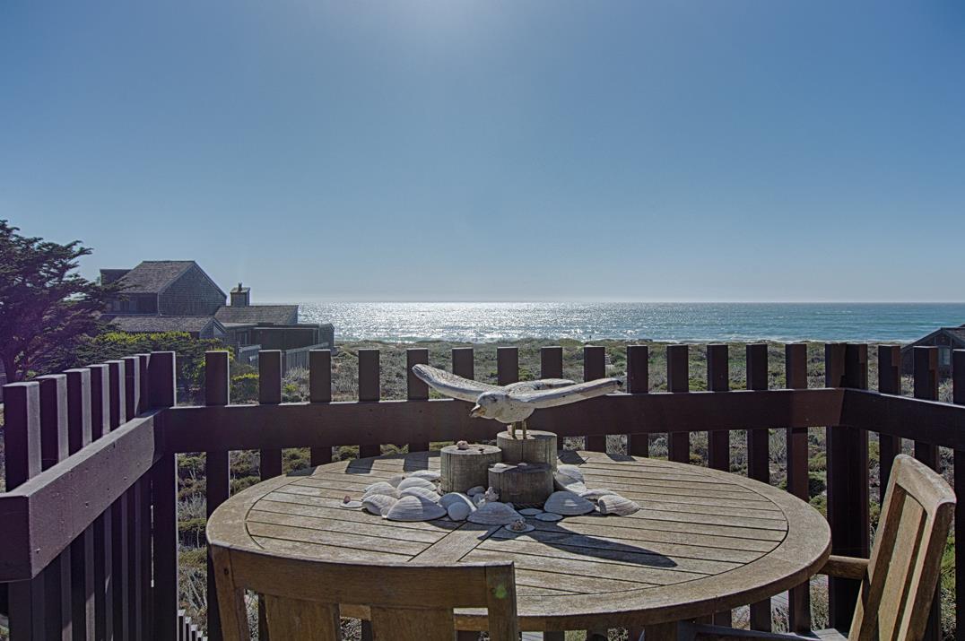 واحد منزل الأسرة للـ Sale في 214 Monterey Dunes Way 214 Monterey Dunes Way Moss Landing, California 95039 United States