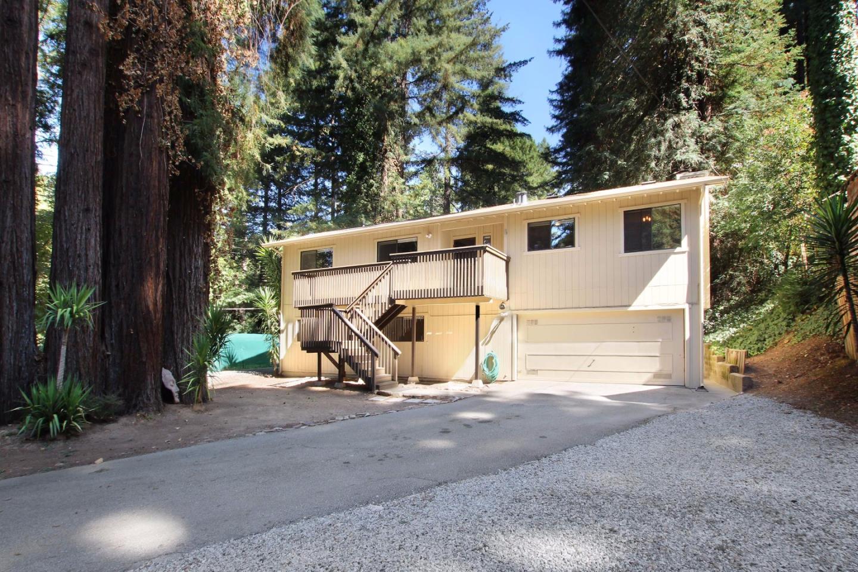 Maison unifamiliale pour l Vente à 12057 Highway 9 12057 Highway 9 Boulder Creek, Californie 95006 États-Unis