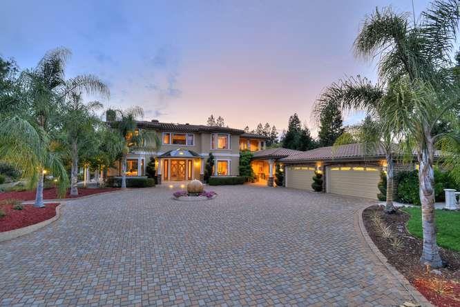 Casa Unifamiliar por un Venta en 14535 Fruitvale Avenue 14535 Fruitvale Avenue Saratoga, California 95070 Estados Unidos