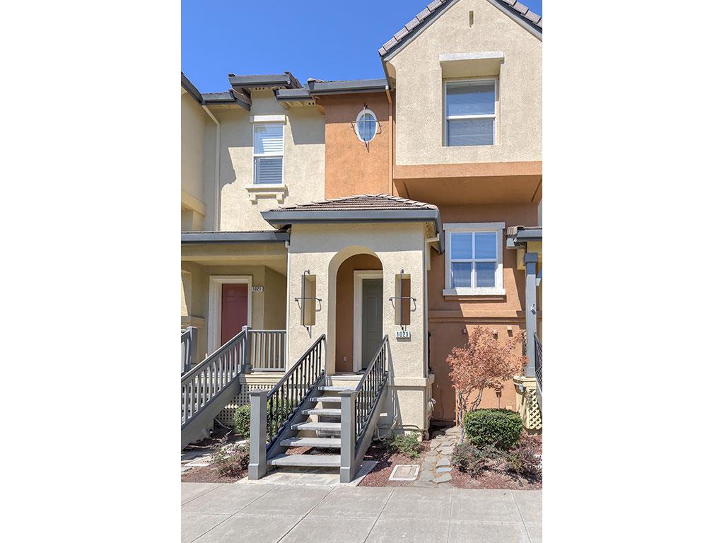 Stadthaus für Verkauf beim 1023 Yates Way San Mateo, Kalifornien 94403 Vereinigte Staaten