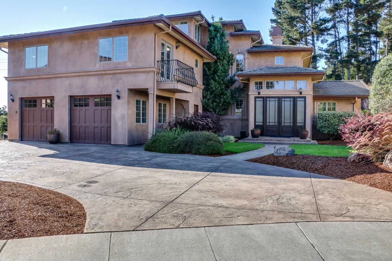 Casa Unifamiliar por un Venta en 2285 Silver Stone Street 2285 Silver Stone Street Royal Oaks, California 95076 Estados Unidos