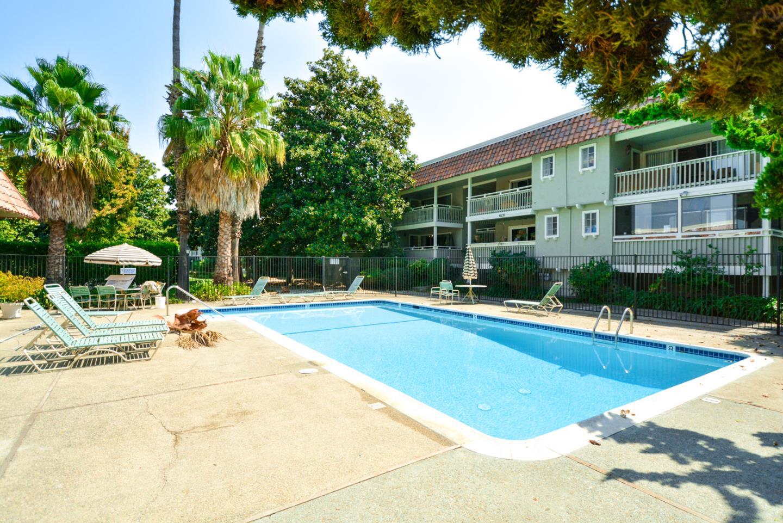 Condominio por un Venta en 2759 Mauricia Avenue 2759 Mauricia Avenue Santa Clara, California 95051 Estados Unidos